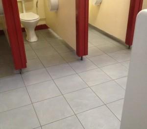 Washroom Cleaning 'Scoil Einde' - 2